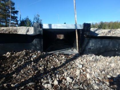 Attaching Animex fence to wildlife passage